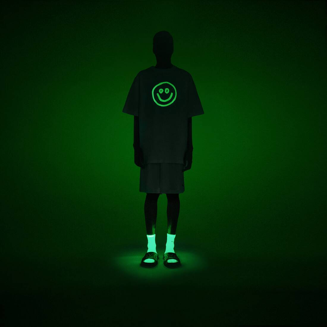 Display zoomed version of gitd smile boxy t-shirt 6