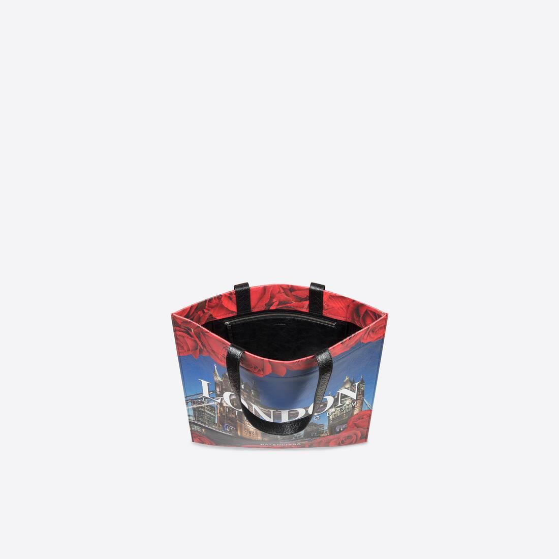 Display zoomed version of shopper medium shoulder tote bag 2
