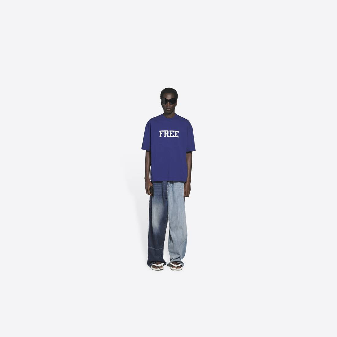 Display zoomed version of free medium fit t-shirt 6