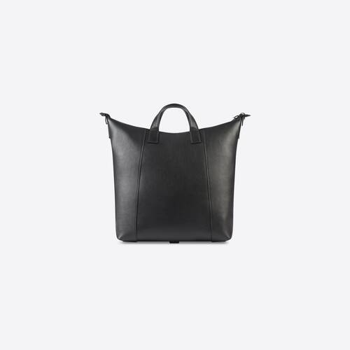 hourglass men medium zip tote