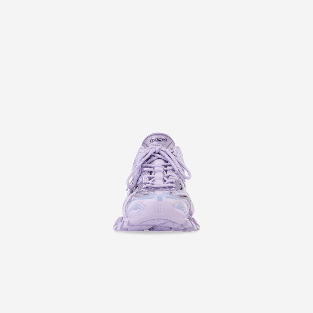 Display zoomed version of track 2.0 sneaker 3