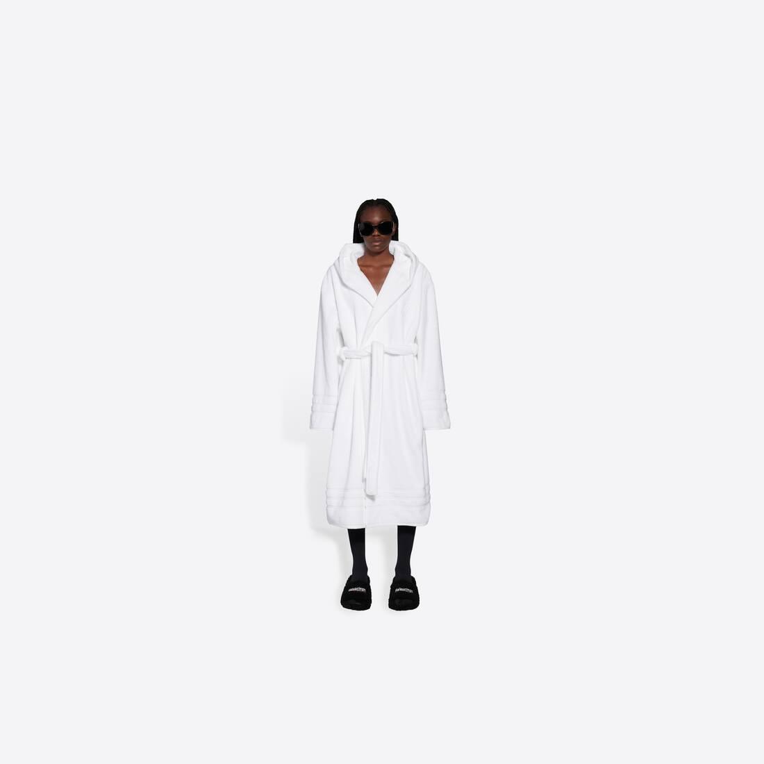 Display zoomed version of towel resorts coat 3