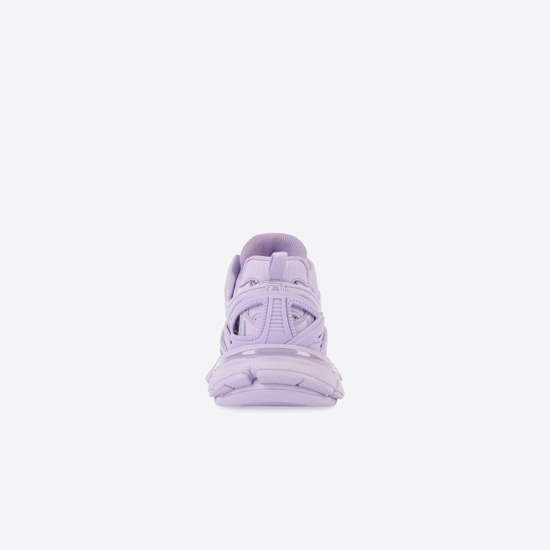 Display zoomed version of track 2.0 sneaker 5