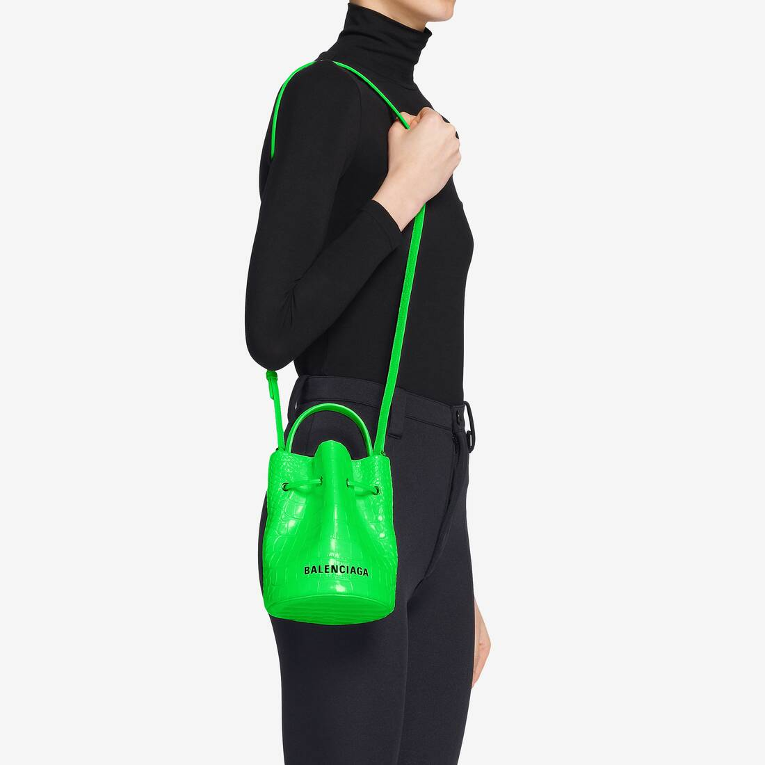 Display zoomed version of borsa a secchiello everyday xs con coulisse 6