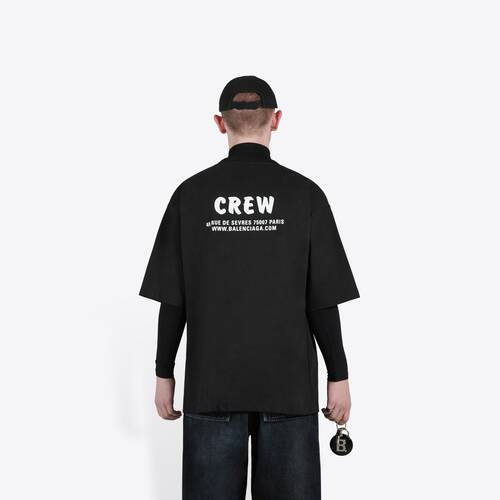 t-shirt fit large crew
