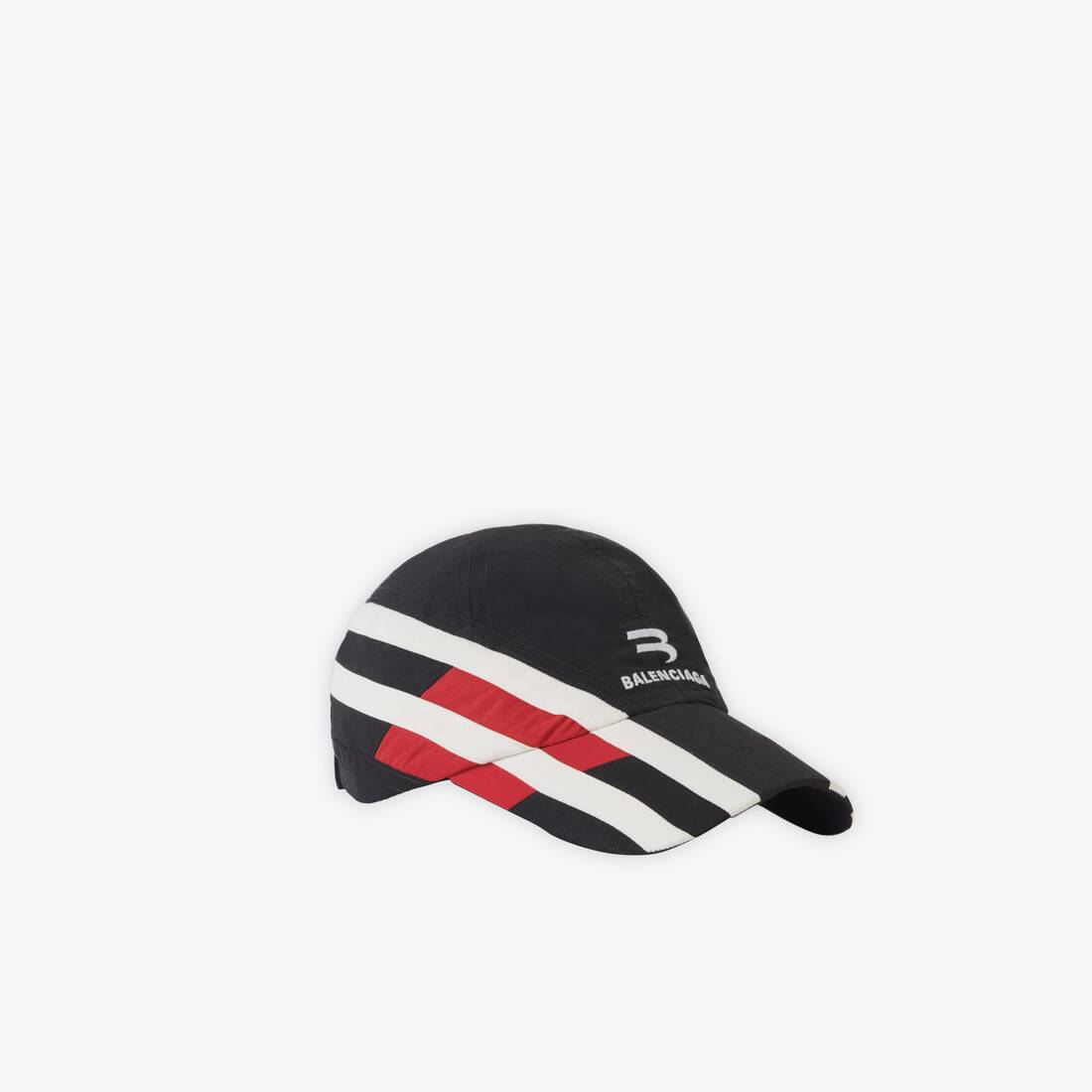 Display zoomed version of tracksuit cap 3