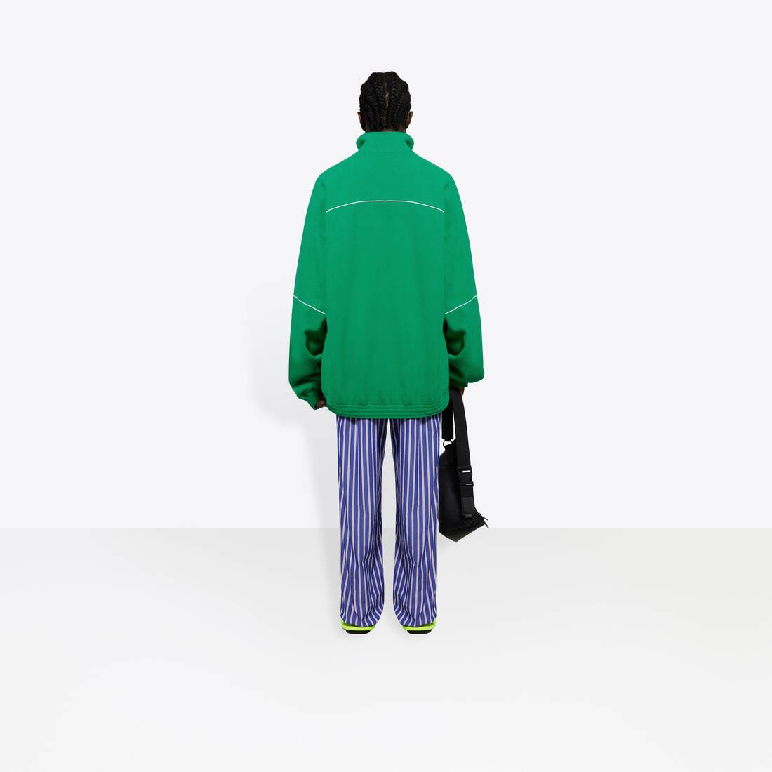Display zoomed version of tracksuit jacket 7