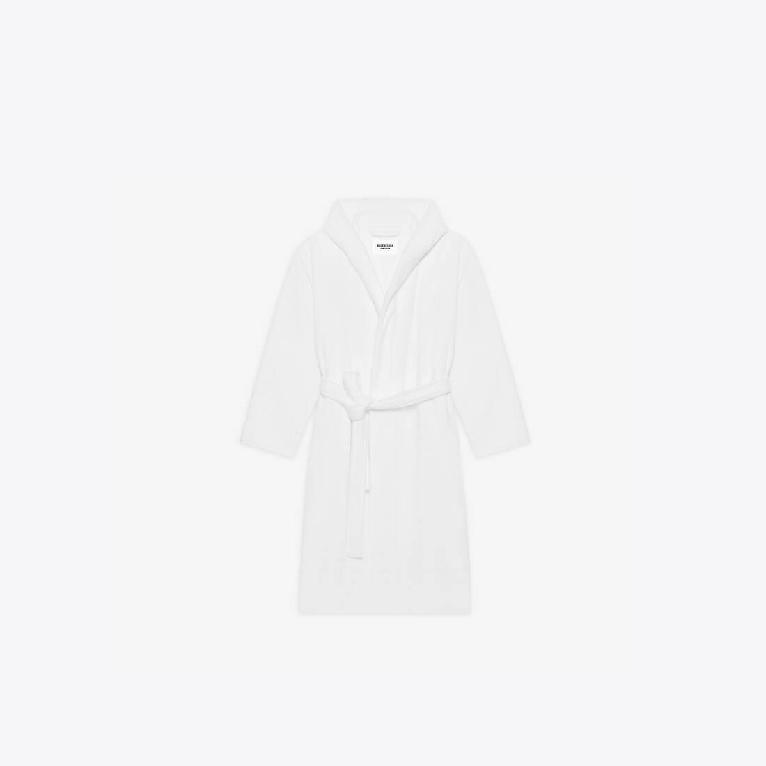 Display zoomed version of towel resorts coat 1