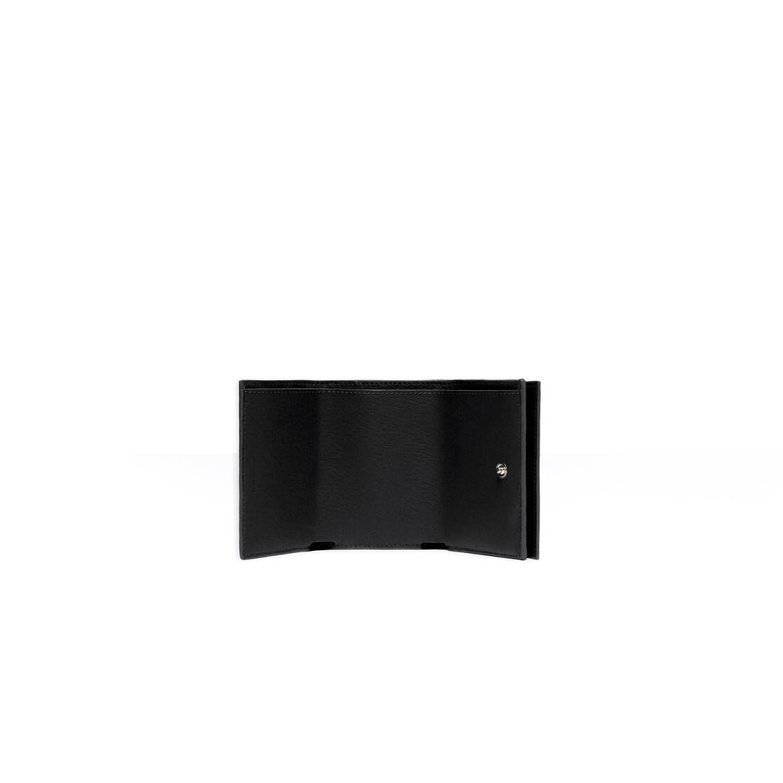 Display zoomed version of cash mini wallet 5