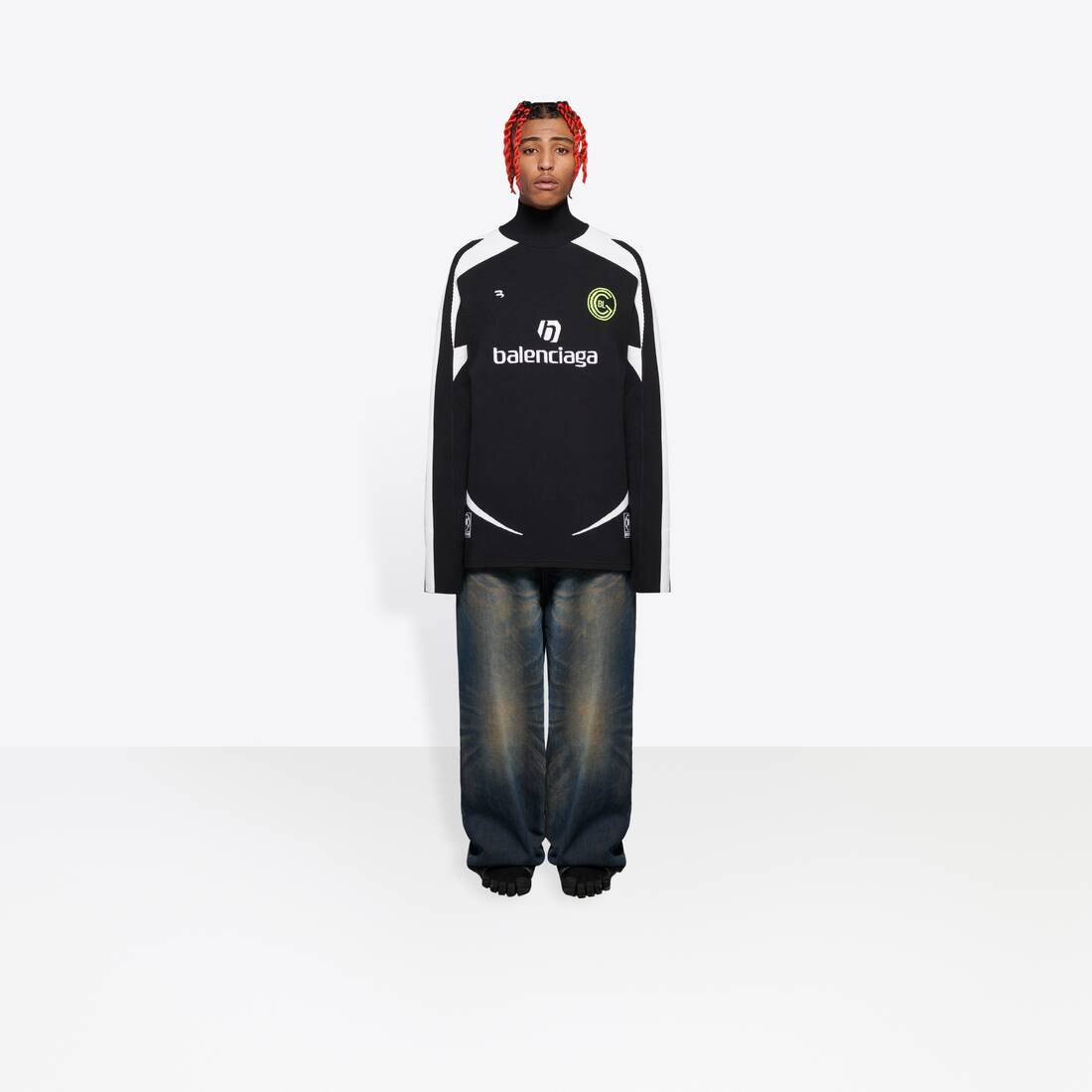 Display zoomed version of soccer zip-up tracksuit 3