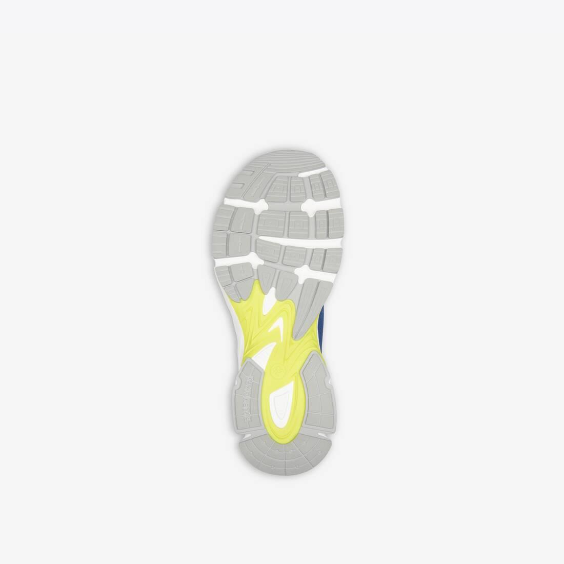 Display zoomed version of sneaker speed 3.0 6