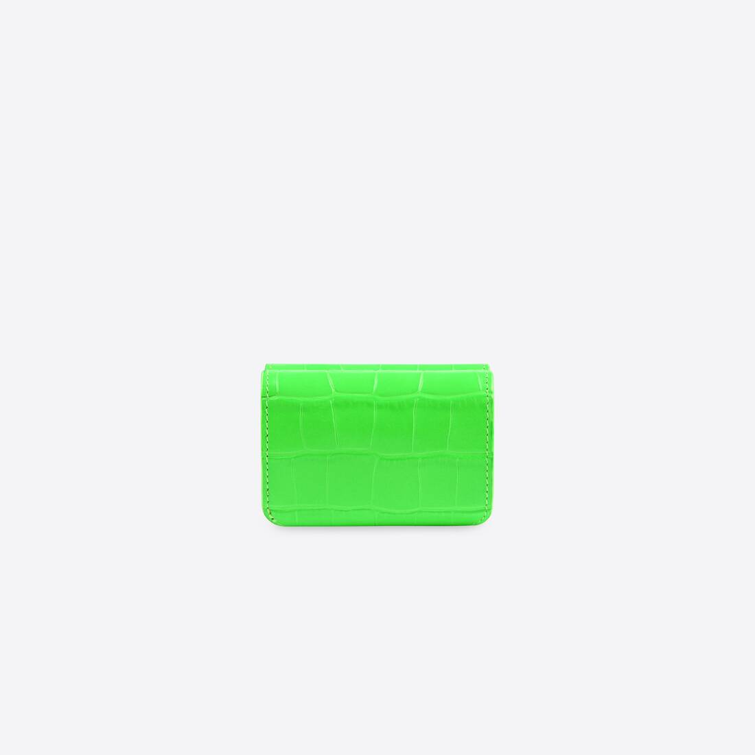 Display zoomed version of cash mini wallet 2