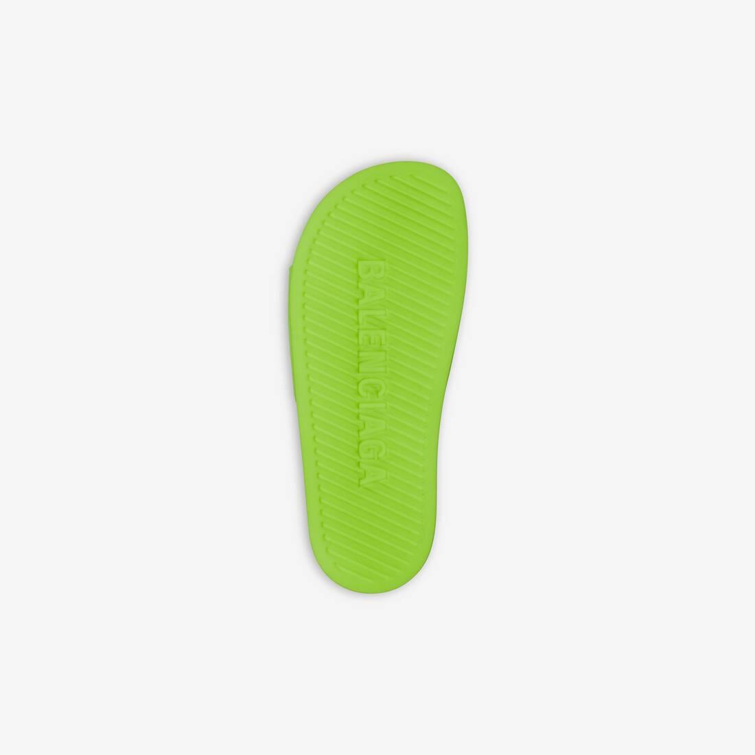 Display zoomed version of pool slide sandal 6