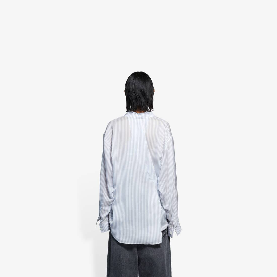 Display zoomed version of backwrap shirt 5