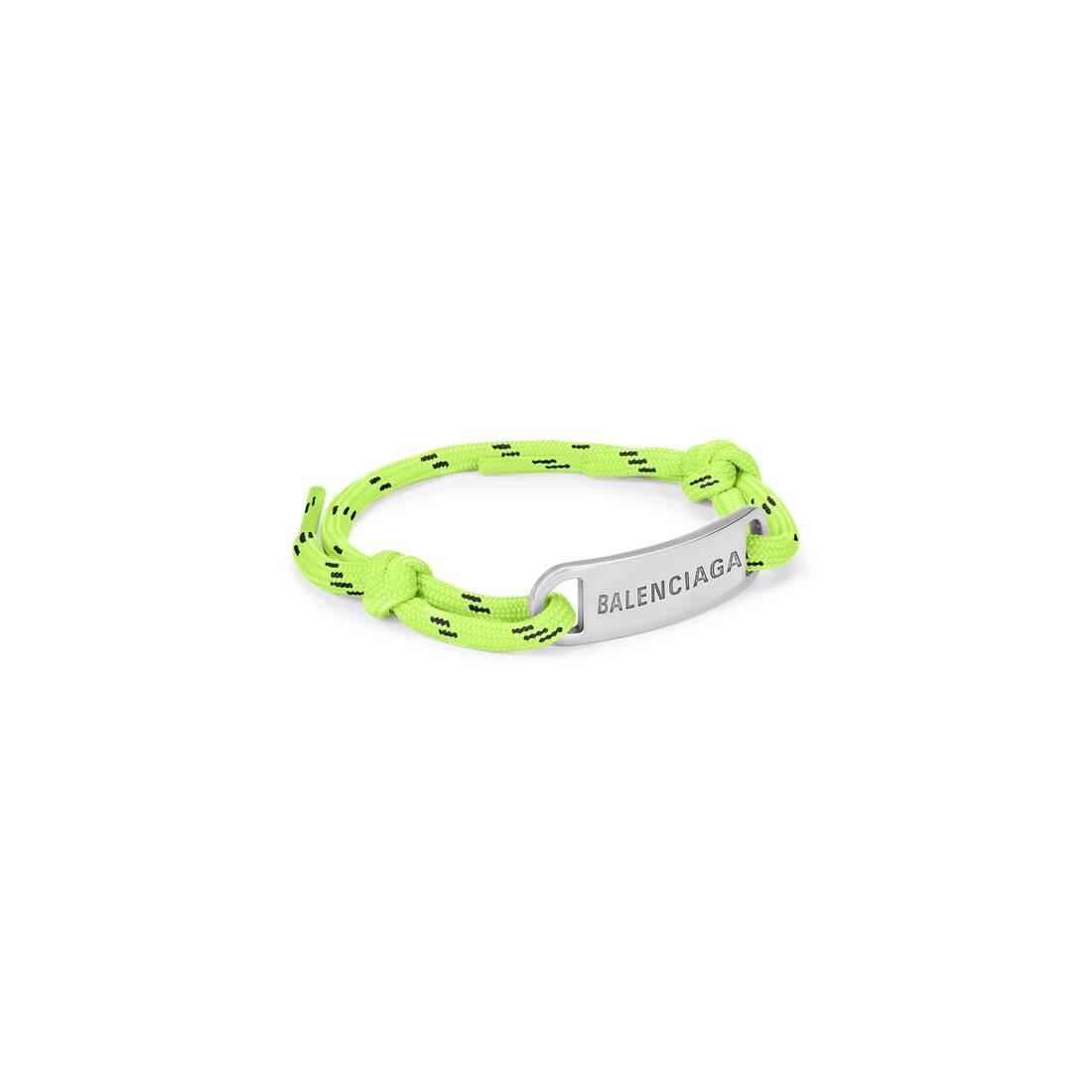 Display zoomed version of plate bracelet 1
