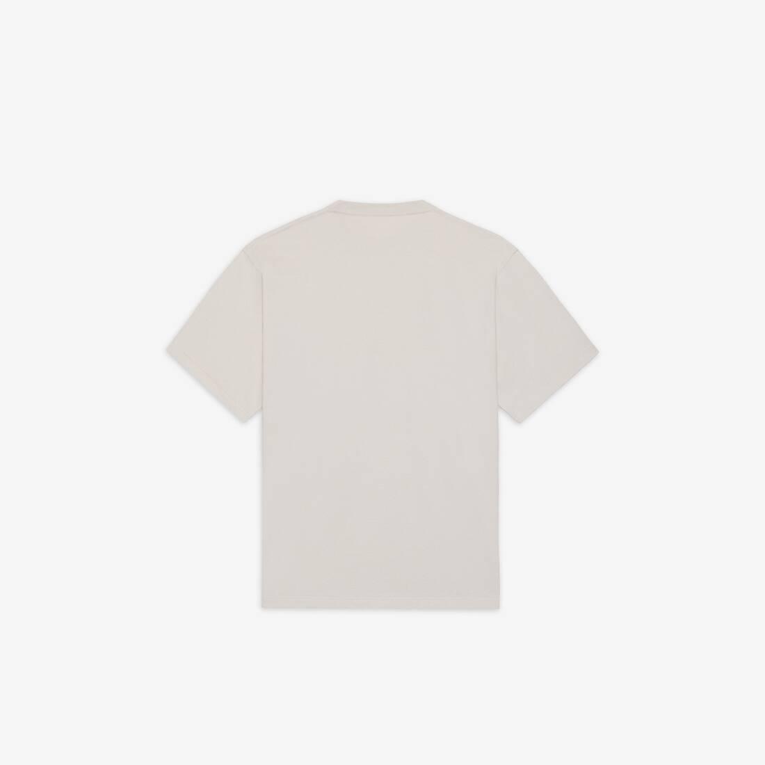 Display zoomed version of resorts t-shirt 2