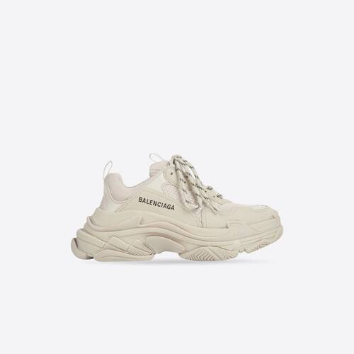 sneaker triple s