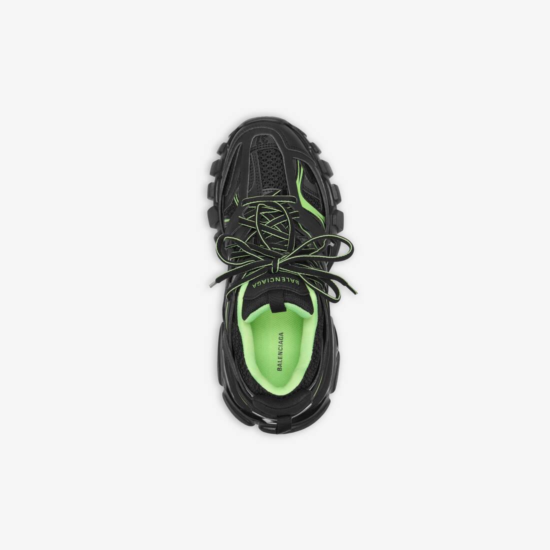 Display zoomed version of track sneaker 4