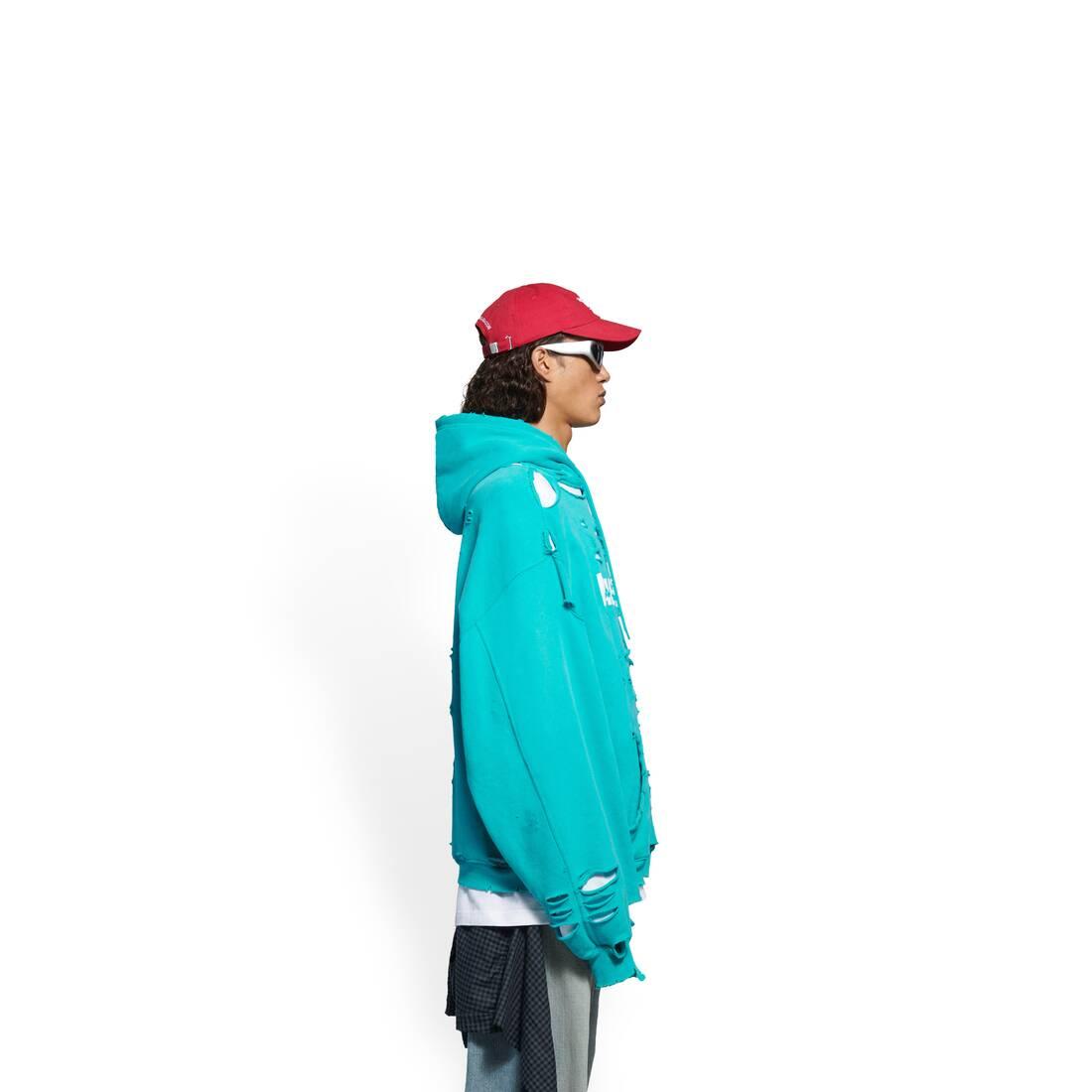 Display zoomed version of caps destroyed hoodie 4
