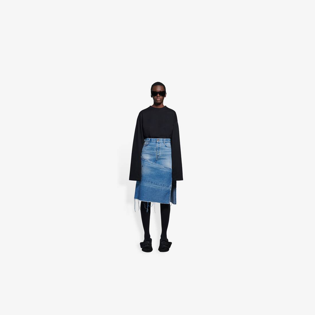 Display zoomed version of 5 pockets slit skirt 3