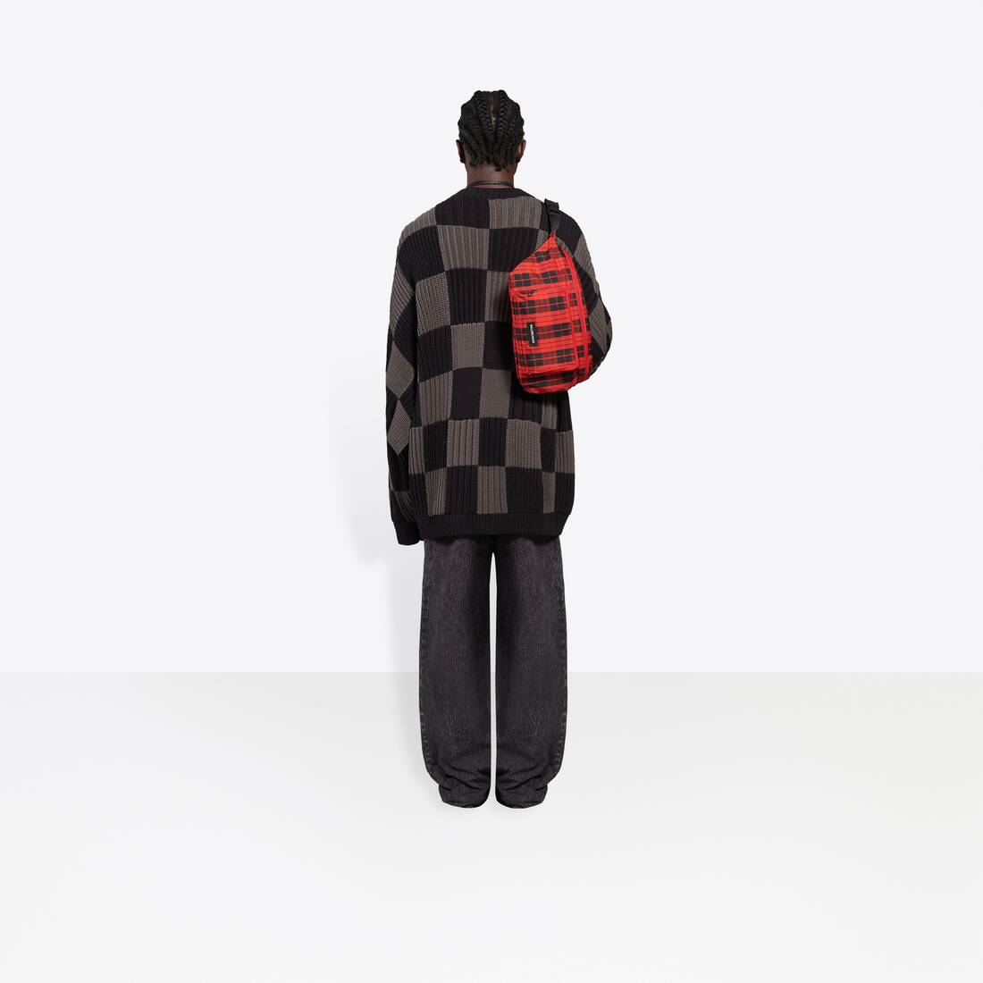 Display zoomed version of checkered crewneck 6