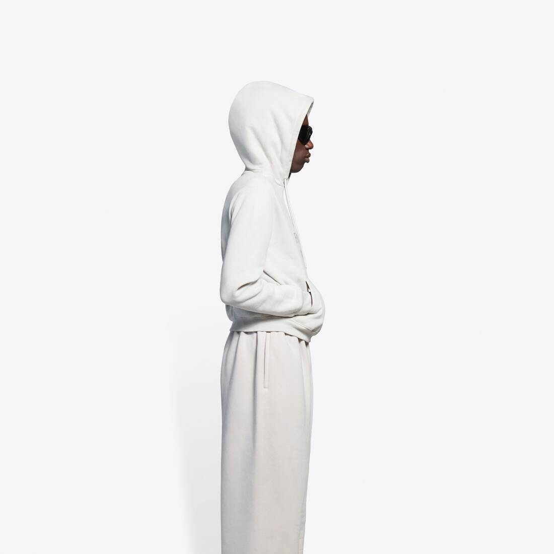 Display zoomed version of hoodie fashion week flatground 4