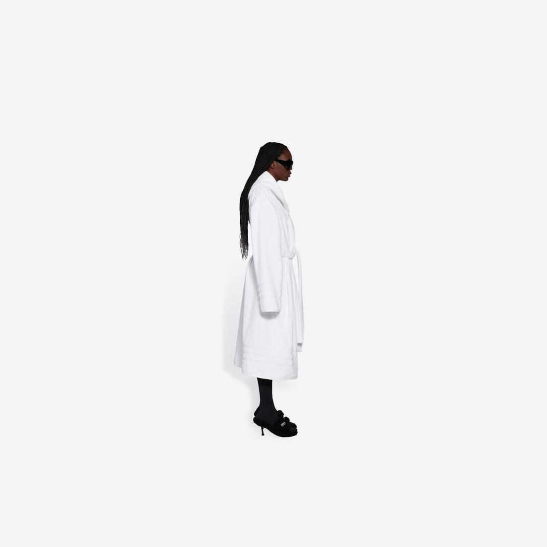 Display zoomed version of towel resorts coat 4