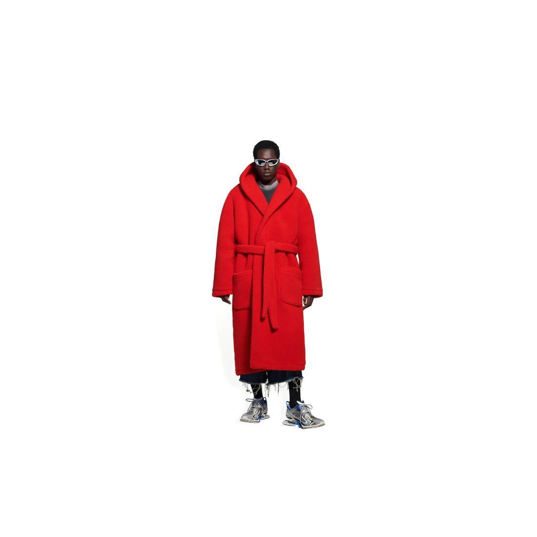 Display zoomed version of hooded bathrobe 3