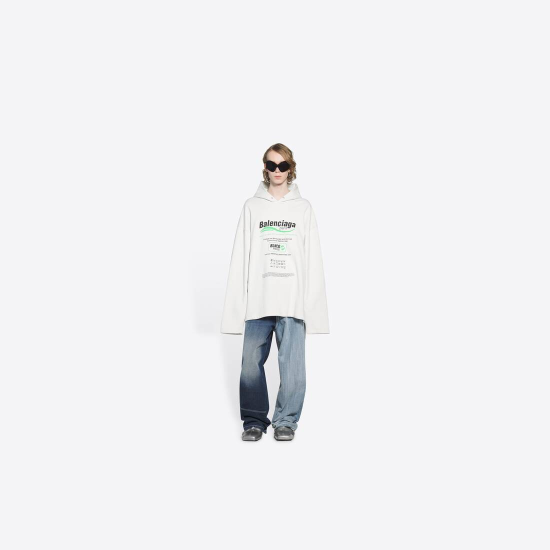 Display zoomed version of dry cleaning hooded t-shirt 6