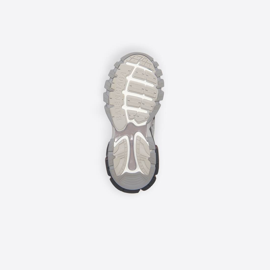 Display zoomed version of sneaker track 6