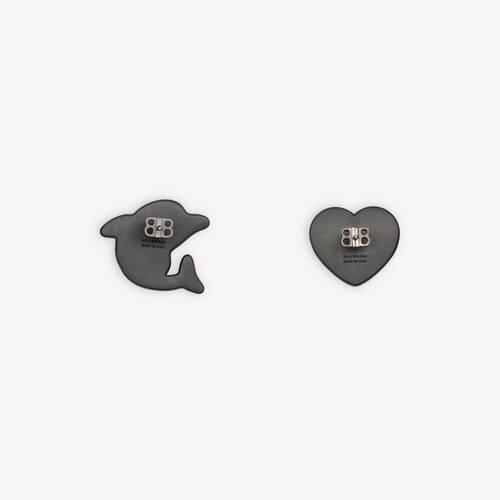 sticker dolphin and heart earrings