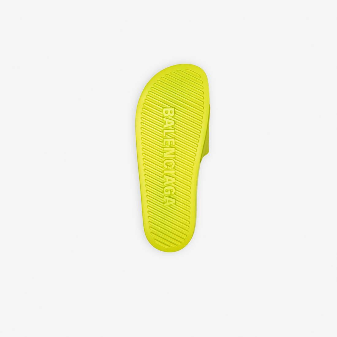 Display zoomed version of pool slide sandal 5