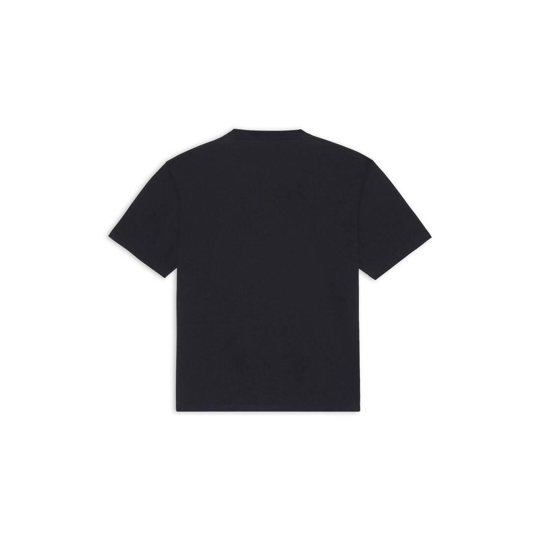 Display zoomed version of lion's laurel large fit t-shirt 2