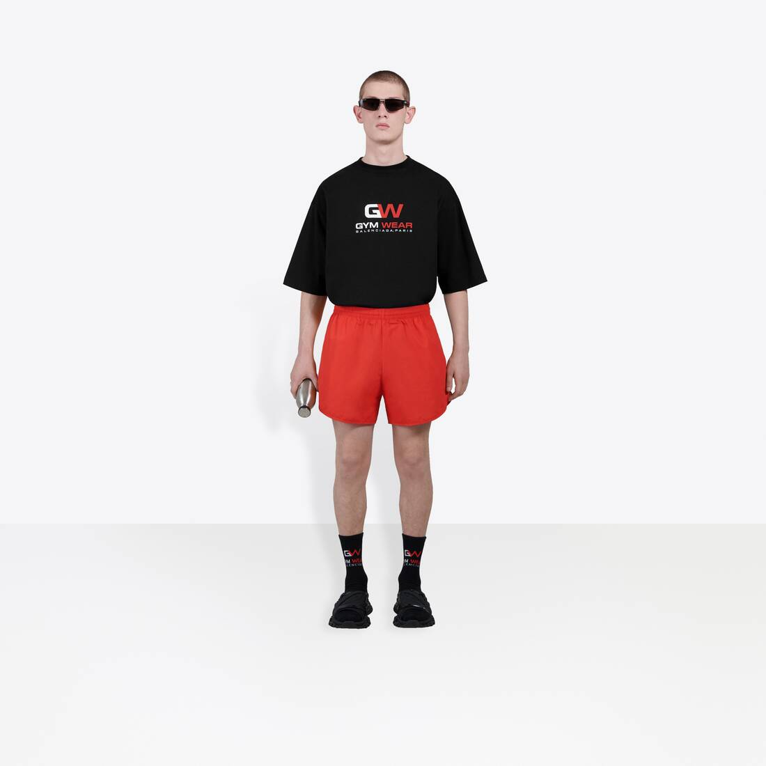 Display zoomed version of running shorts 3