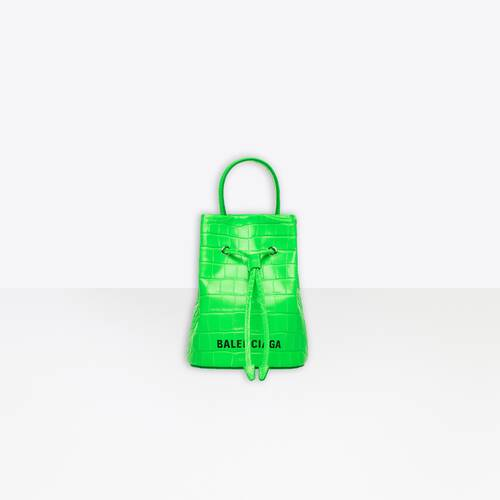everyday xs drawstring bucket bag