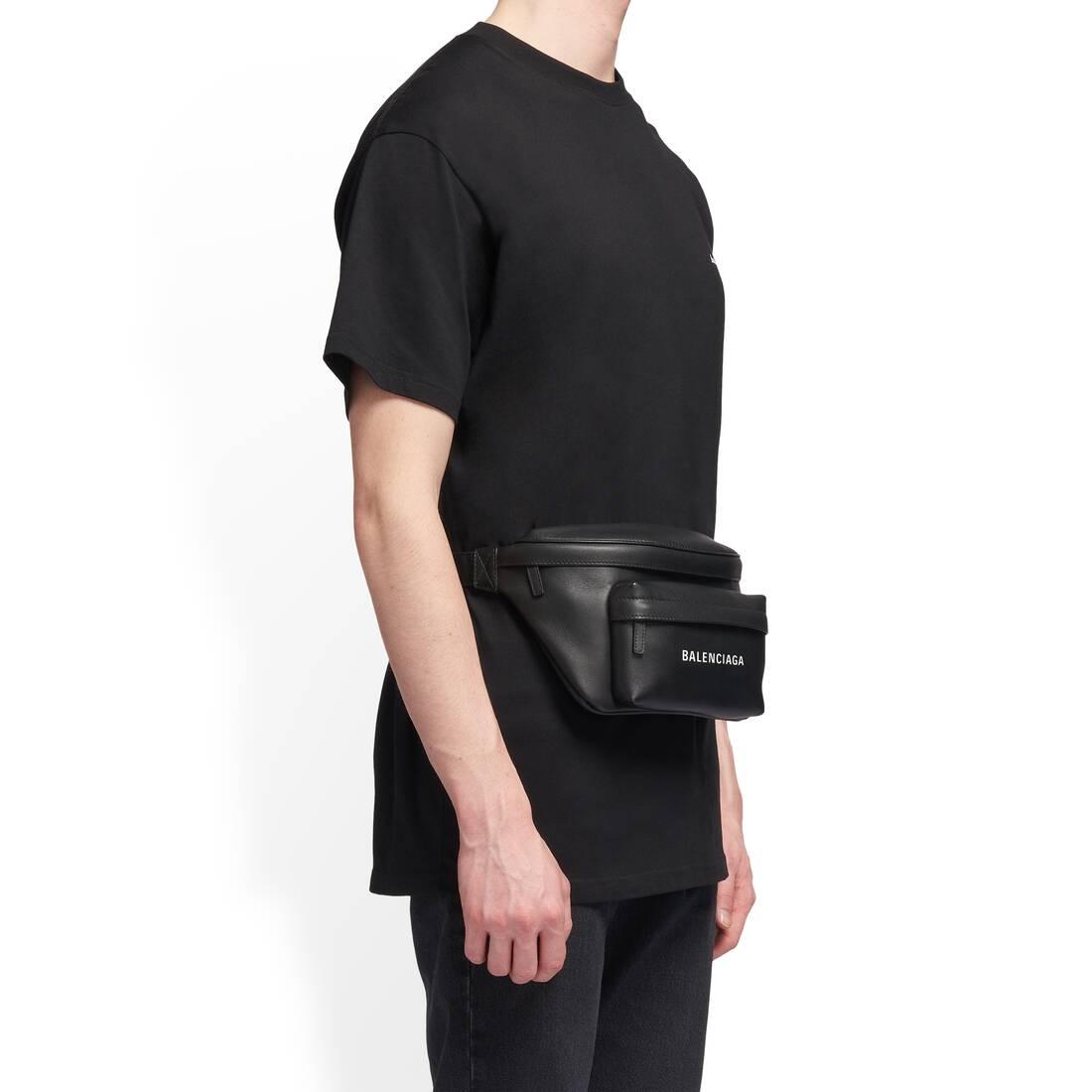 Display zoomed version of everyday beltpack 4