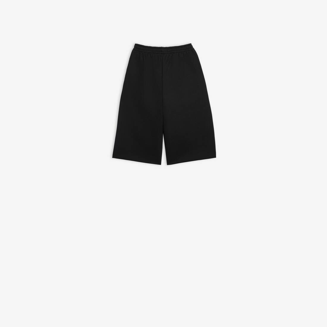 Display zoomed version of oversize shorts 2
