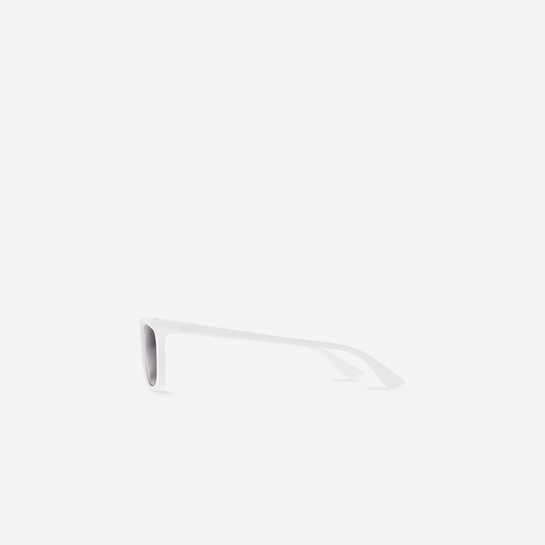Display zoomed version of rim rectangle sunglasses 3