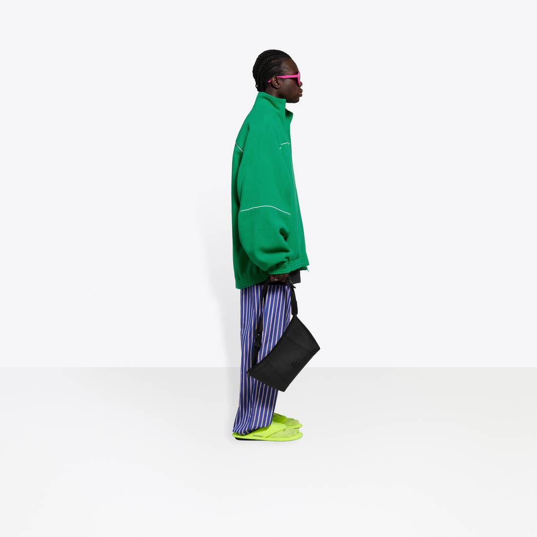 Display zoomed version of tracksuit jacket 4
