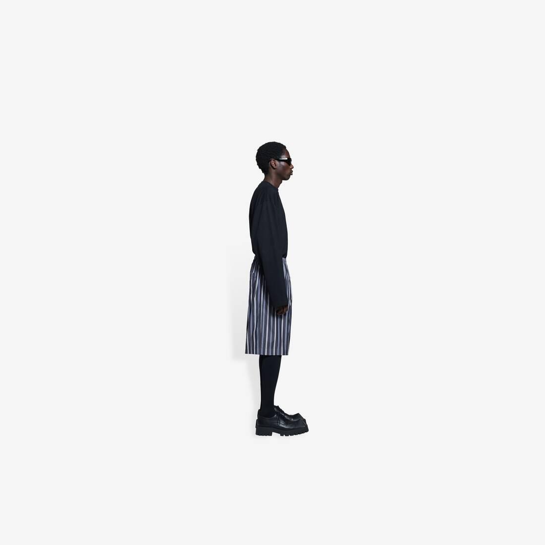 Display zoomed version of pajama shorts 4