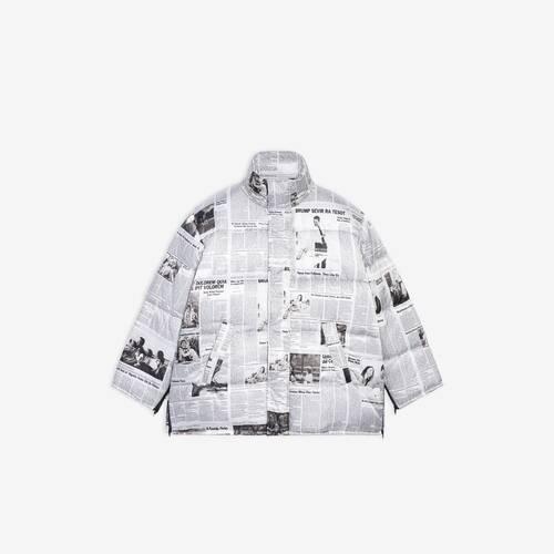 chaqueta acolchada en forma de capa