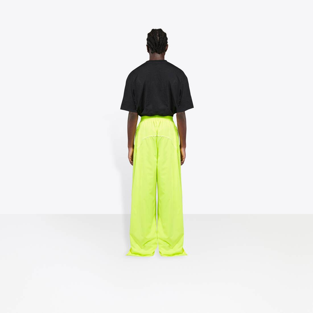 Display zoomed version of tracksuit pants 6