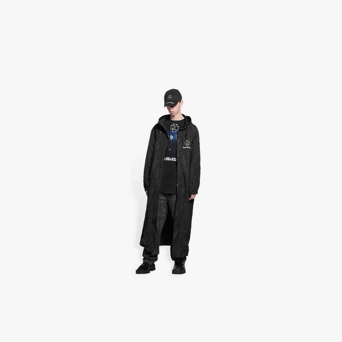 Display zoomed version of rammstein raincoat 3