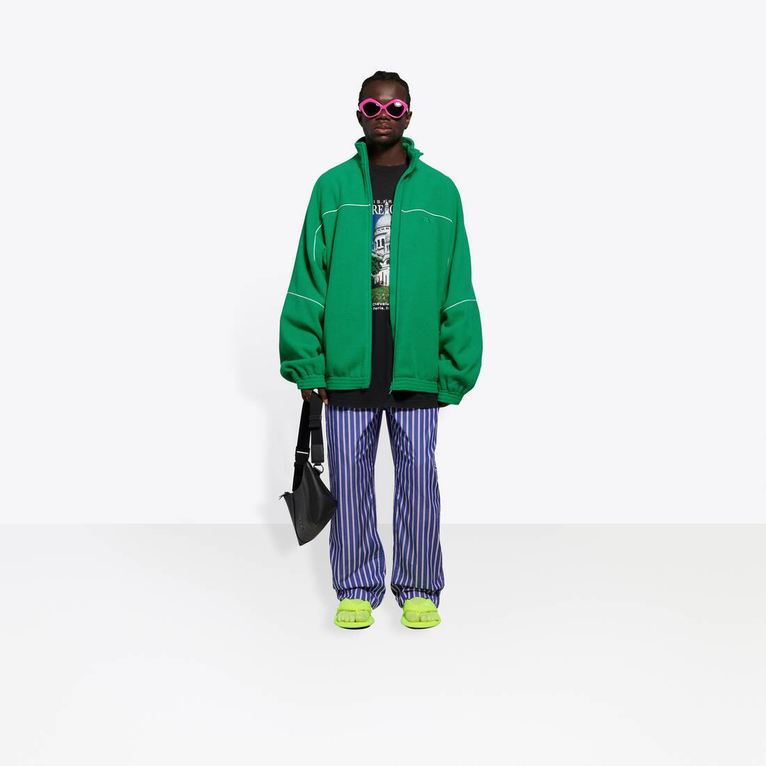 Display zoomed version of tracksuit jacket 6