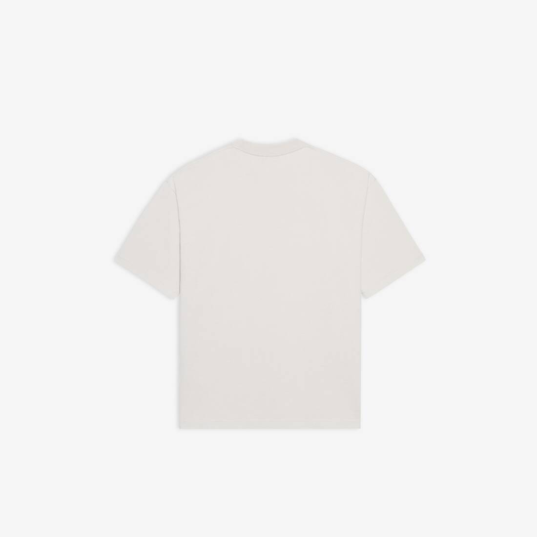 Display zoomed version of camiseta de ajuste mediano new copyright 2
