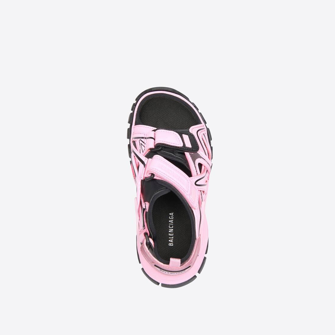 Display zoomed version of kids - track sandal 4
