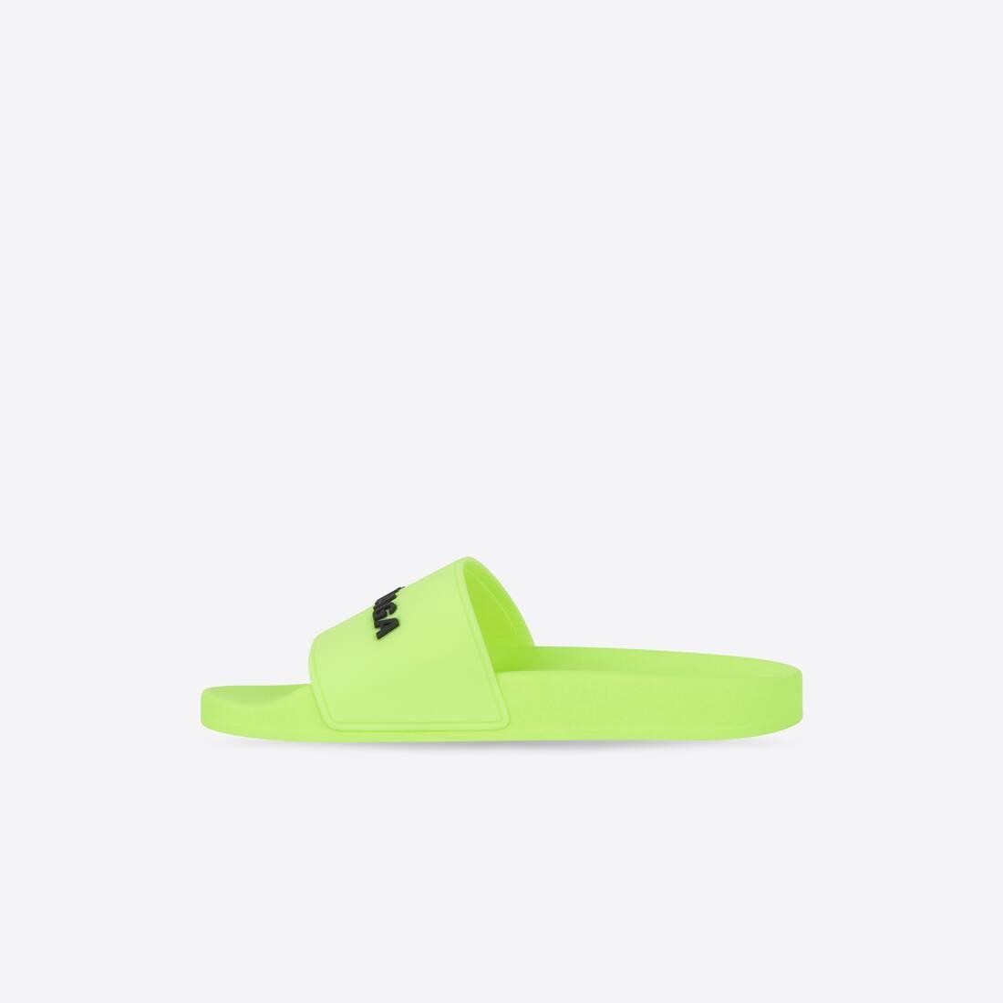 Display zoomed version of pool slide sandal 4