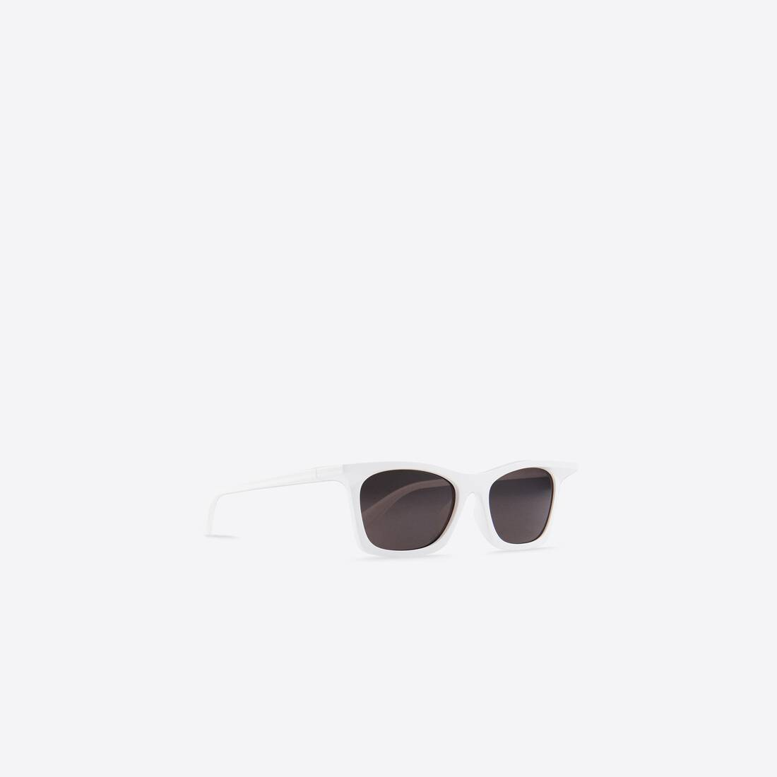 Display zoomed version of rim rectangle sunglasses 4