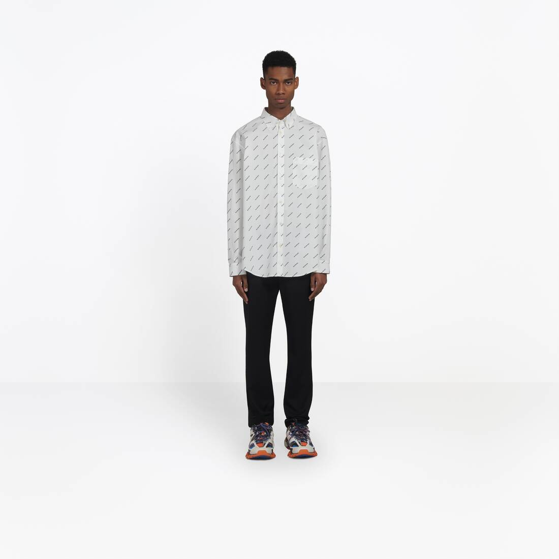 Display zoomed version of normal fit shirt 3