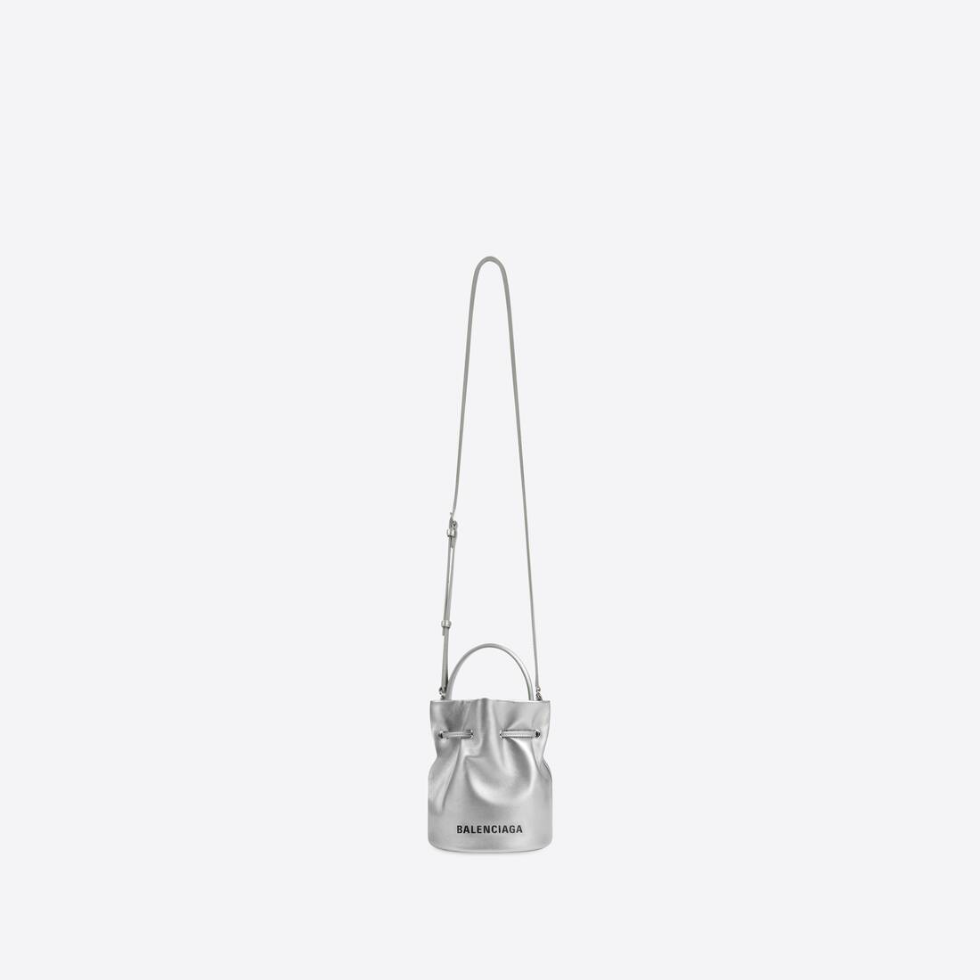 Display zoomed version of everyday xs drawstring bucket bag 4